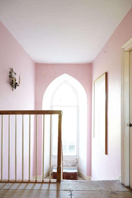 Pink_rustic_stairway