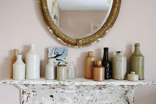 rustic-farmhouse-vintage-shelf