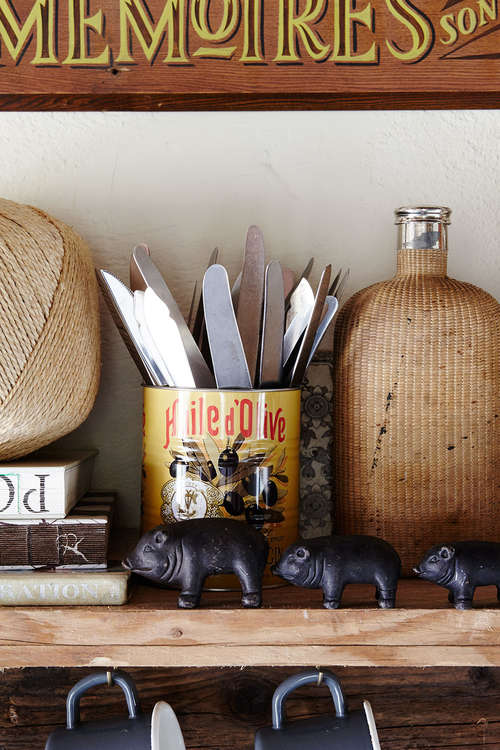rustic_kitchen_self-pig_ornaments