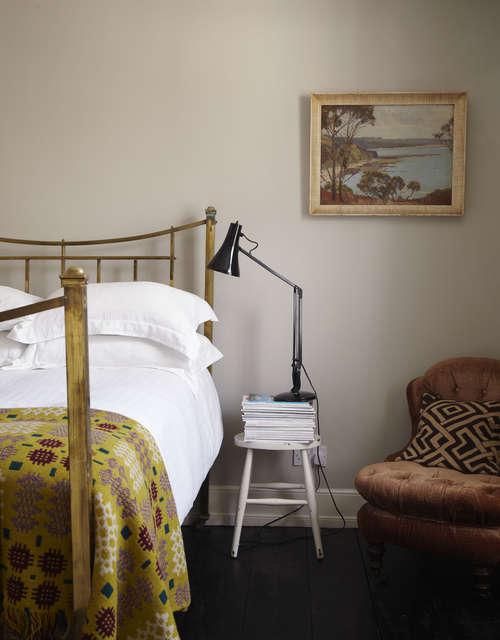 Coast_Deal_bedroom_250
